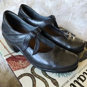 Naot gunmetal metallic leather Mary Janes